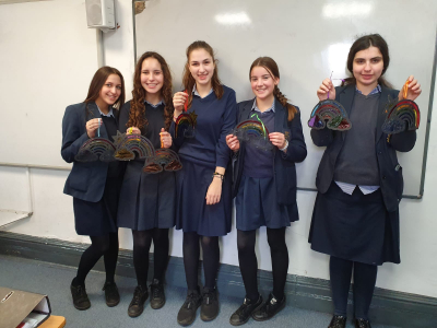 Yavneh Manchester students 'GIFT' their time for care home residents.